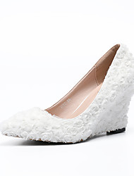 cheap -Women's Shoes PU(Polyurethane) Spring & Summer Basic Pump Wedding Shoes Wedge Heel Pointed Toe Satin Flower White / Party & Evening