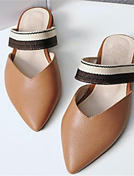abordables -Mujer Zapatos Piel de Oveja Primavera verano Confort Zuecos y pantuflas Tacón Bajo Dedo Puntiagudo Beige / Marrón