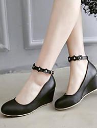 Недорогие -Жен. ПВХ Весна Удобная обувь Обувь на каблуках Туфли на танкетке Черный / Розовый / Повседневные