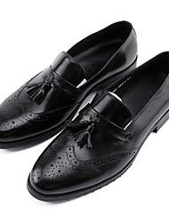 abordables -Hombre Zapatos formales Cuero de Napa Primavera / Otoño Oxfords Negro / Marrón