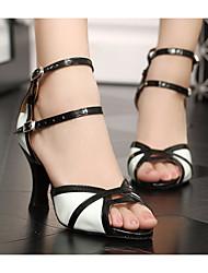 baratos -Mulheres Sapatos de Dança Latina Couro Ecológico Salto Salto Grosso Sapatos de Dança Preto / Branco