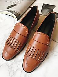 baratos -Mulheres Sapatos Pele Napa Verão Conforto Mocassins e Slip-Ons Salto Baixo Preto / Castanho Escuro