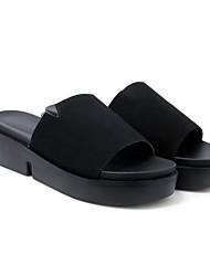 baratos -Mulheres Sapatos Camurça Verão Conforto Chinelos e flip-flops Salto Baixo Amarelo / Verde / Rosa claro