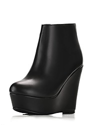 Недорогие -Жен. Наппа Leather Наступила зима Удобная обувь Ботинки Туфли на танкетке Черный