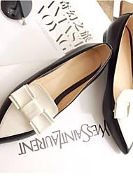 Недорогие -Жен. Комфортная обувь Полиуретан Весна / Лето Мокасины и Свитер На низком каблуке Закрытый мыс Черный