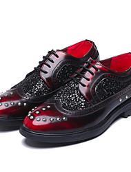 billige -Herre Pæne sko Mikrofiber Forår / Efterår Vintage Oxfords Ikke-glider Gradient Sort / Mørkerød / Glimtende glitter / Fest / aften