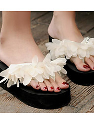cheap -Women's Shoes Satin Summer Comfort Slippers & Flip-Flops Creepers White / Black