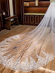 Недорогие -Два слоя Милый стиль / Кружевная кромка Свадебные вуали Фата для венчания с Аппликации Кружева / Тюль