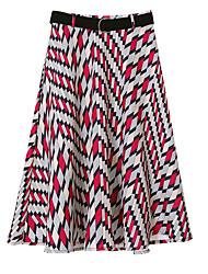 baratos -saias de linha na altura do joelho de uma mulher - bloco de cor
