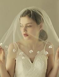 Недорогие -Один слой Старинный / Классический Свадебные вуали Фата до плеч с Лепестки / Однотонные Тюль