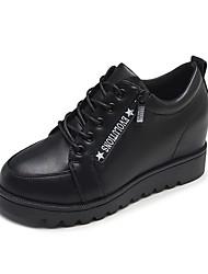 Недорогие -Жен. Комфортная обувь Полиуретан Весна & осень На каждый день Кеды На плоской подошве Круглый носок Черный / Красный