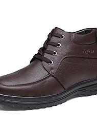 Недорогие -Муж. Кожаные ботинки Кожа Зима Классика / На каждый день Ботинки Сохраняет тепло Ботинки Черный / Кофейный