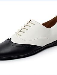 Недорогие -Муж. Обувь для свинга Кожа На плоской подошве На плоской подошве Танцевальная обувь Черно-белый