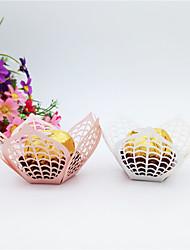 Недорогие -Цветы Картон Бумага Фавор держатель с Вышивка бисером в виде цветов Подарочные коробки - 50шт