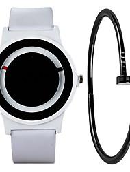 Недорогие -Муж. Спортивные часы Кварцевый Кожа Черный / Белый Секундомер Творчество Новый дизайн Аналоговый Мода минималист - Белый Черный Один год Срок службы батареи
