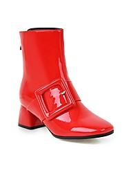 Недорогие -Жен. Полиуретан Наступила зима На каждый день Ботинки На толстом каблуке Квадратный носок Сапоги до середины икры Пряжки Белый / Черный / Светло-красный