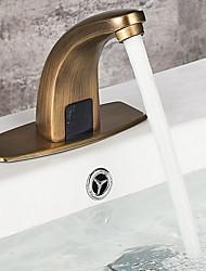 Недорогие -Ванная раковина кран - Широко распространенный / Датчик Матовый Свободно стоящий Руки свободно одно отверстиеBath Taps / Латунь