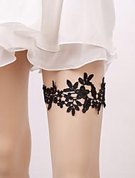 ราคาถูก -ลูกไม้ การแต่งงาน / สง่างาม Wedding Garter กับ ลูกไม้ / ดอกไม้ สายรัด งานแต่งงาน / ปาร์ตี้