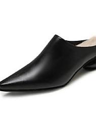 ราคาถูก -สำหรับผู้หญิง แน๊บป้า Leather ฤดูใบไม้ผลิ & ฤดูใบไม้ร่วง รองเท้าไม้ & รองเท้าหัวทู่ Heterotypic Heel สีดำ / น้ำตาลเข้ม
