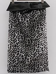 Недорогие -женские юбки-карандаш до колен - леопард