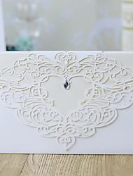 """رخيصةأون -ملفي دعوات الزفاف 10pcs - بطاقات الدعوة الأزهار ستايل أوراق لؤلؤة 5 """"× 7 ¼"""" (12.7 * 18.4cm) مجوهرات أكريليكية"""