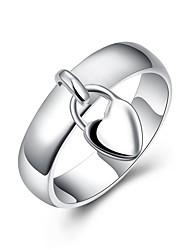 Недорогие -Жен. Кольцо 1шт Серебряный Латунь Серебрянное покрытие Круглый Стиль Простой Повседневные Офис Бижутерия Аппликация Сердце Сердце