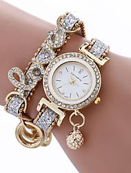 Недорогие -мода женщины девушки металлический корпус кожаный горный хрусталь браслет кварцевые элегантные наручные часы