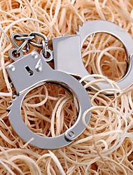 Недорогие -наручники брелок Tricky игрушки шутки гаджеты