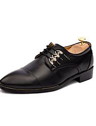 baratos -Homens Sapatos Confortáveis Couro Ecológico Outono Casual Oxfords Não escorregar Preto / Branco / Amarelo