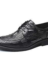 baratos -Homens Sapatos de couro Couro Outono Negócio Oxfords Preto / Vermelho / Festas & Noite
