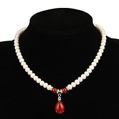 Χαμηλού Κόστους Κολιέ-Γυναικεία Κόκκινο Ρουμπίνι Κρεμαστό / Y κολιέ / Coliere cu Perle - Μαργαριτάρι Κρεμαστό, Λουλούδι Λευκό Κολιέ Κοσμήματα Για Πάρτι, Ειδική Περίσταση, Επέτειος / Δώρο