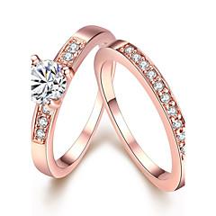 olcso -Női Karikagyűrűk Eljegyzési gyűrű Kristály Divat minimalista stílusú Cirkonium Ötvözet Round Shape Ékszerek Kompatibilitás Esküvő Parti
