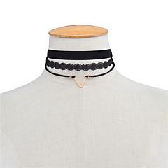 Dame Kort halskæde Smykker Geometrisk form Blonde Legering Mode Euro-Amerikansk Europæisk Personaliseret Sort Smykker ForFest Speciel