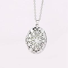 abordables -Femme Médaillon Ovale Géométrique Pendentif de collier Alliage Pendentif de collier , Soirée Halloween