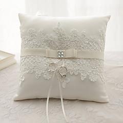 リボンのラインストーンの花(s)サテンのシルクリングの枕の結婚式