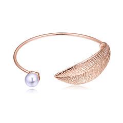 abordables -Femme Manchettes Bracelets simple Mode Européen Imitation de perle Alliage Forme de Feuille Bijoux Soirée Quotidien Bijoux de fantaisie