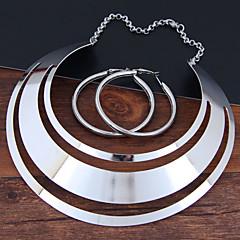 baratos Conjuntos de Bijuteria-Mulheres Oco Conjunto de jóias - Importante, Simples, Europeu Incluir Brincos em Argola Colar Dourado / Prata Para Festa de Noite