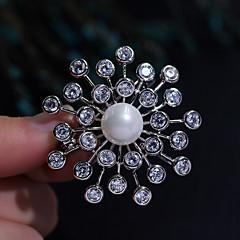 billige Motebrosjer-Dame Kubisk Zirkonium Nåler - Perle, Sølvplett Blomster Tema damer, Koreansk Brosje Smykker Sølv Til Daglig