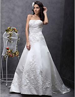 billiga Prinsessbrudklänningar-A-linje / Prinsessa Axelbandslös Svepsläp Spets på satin Bröllopsklänningar tillverkade med Bård / Broderad av LAN TING BRIDE®