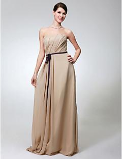 Χαμηλού Κόστους Μακριά Φορέματα Παρανύμφων-Ίσια Γραμμή Στράπλες Μακρύ Σιφόν Φόρεμα Παρανύμφων με Ζώνη / Κορδέλα Πλαϊνό ντραπέ με LAN TING BRIDE®