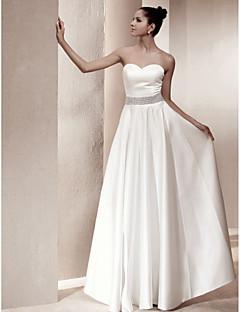 billiga A-linjeformade brudklänningar-A-linje Hjärtformad urringning Golvlång Satäng Bröllopsklänningar tillverkade med Kristalldetaljer / Bälte / band av LAN TING BRIDE®
