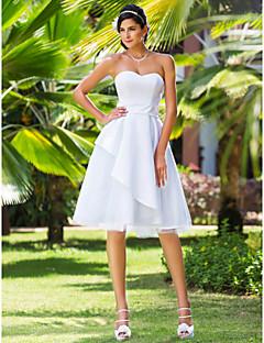 billiga A-linjeformade brudklänningar-A-linje / Prinsessa Hjärtformad urringning Knälång Satäng / Tyll Bröllopsklänningar tillverkade med Bälte / band av LAN TING BRIDE® / Liten vit klänning