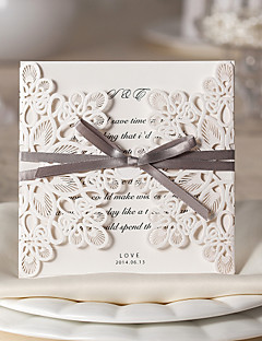 Szétnyiló Esküvői Meghívók-Meghívók Virágos stílus Kártyapapír 15*15 cm Masnik Szalagok