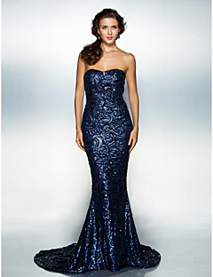 cheap Celebrity Dresses-Mermaid / Trumpet Sweetheart Court Train Sequined Formal Evening Dress with Sequin by TS Couture®