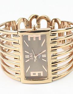 Women's Rectangle Case Gold Alloy Band Quartz Analog Bracelet Watch Cool Watches Unique Watches