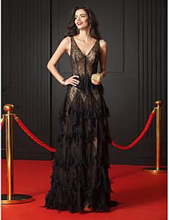 billiga Aftonklänningar-A-linje V-hals Hovsläp Genomskinlig spets Formell kväll / Smokinggala Klänning med Fallande volanger av TS Couture®