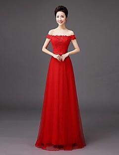 シース/コラムオフショルダーフロア長qqcブライダルによる刺繍レースの花嫁介添人ドレス