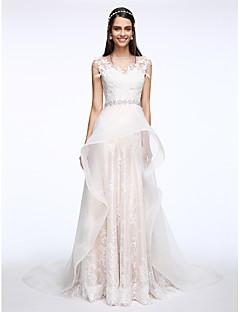 billiga A-linjeformade brudklänningar-A-linje Bateau Neck Hovsläp Spets / Tyll Bröllopsklänningar tillverkade med Kristall / Applikationsbroderi av LAN TING BRIDE®