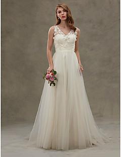 billiga A-linjeformade brudklänningar-A-linje V-hals Svepsläp Spets på tyll Bröllopsklänningar tillverkade med Spets / Bälte / band av LAN TING BRIDE® / Genomskinliga