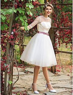 billiga A-linjeformade brudklänningar-A-linje / Prinsessa Illusion Halsband Knälång Tyll Bröllopsklänningar tillverkade med Applikationsbroderi / Bälte / band av LAN TING BRIDE® / Genomskinliga